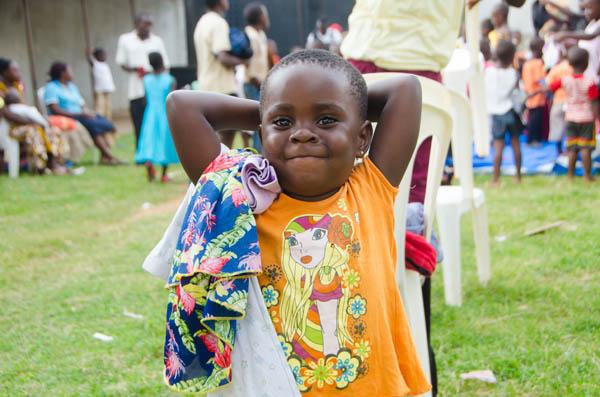 happy-orphans-sin-uganda.jpg