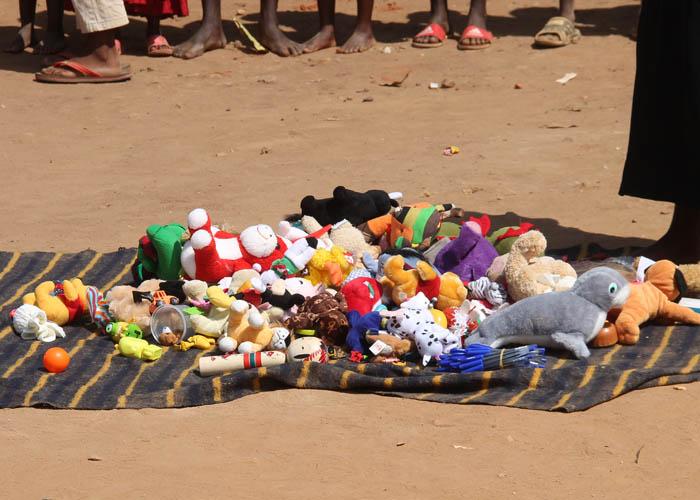 support-uganda-orphans.jpg