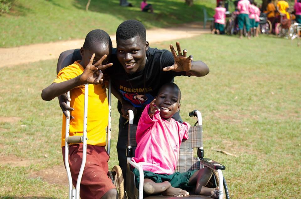 Volunteer in Uganda – see Uganda orphans